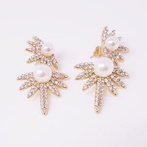 Jewelry - Elegant Gold Earrings